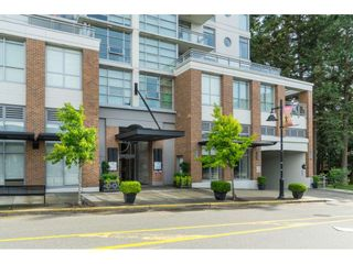 "Photo 2: 702 15152 RUSSELL Avenue: White Rock Condo for sale in ""Miramar"" (South Surrey White Rock)  : MLS®# R2504973"