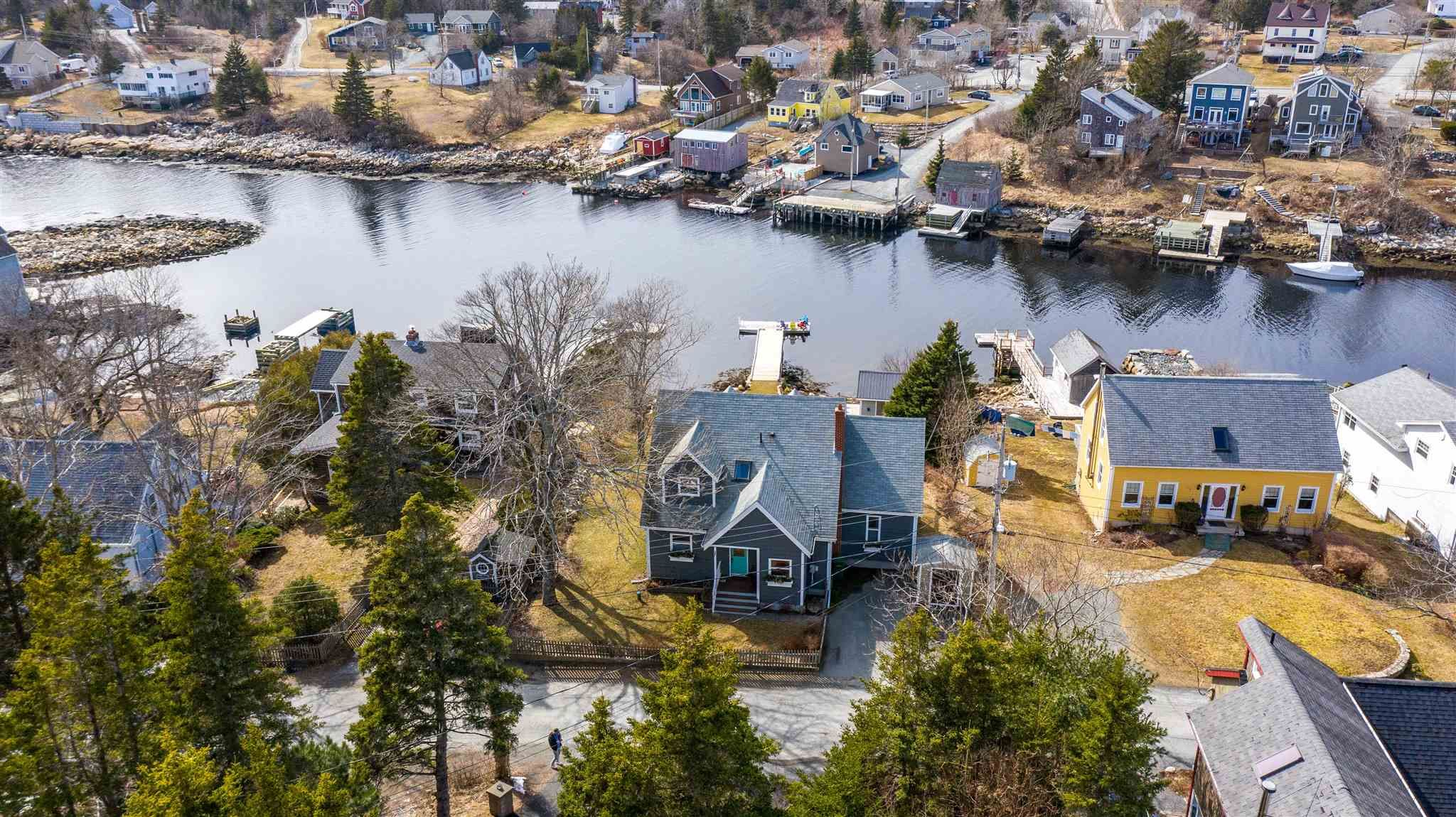 Photo 1: Photos: 63 Shore Road in Herring Cove: 8-Armdale/Purcell`s Cove/Herring Cove Residential for sale (Halifax-Dartmouth)  : MLS®# 202107484