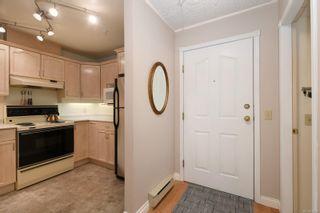 Photo 18: 201 1715 Richmond Ave in : Vi Jubilee Condo for sale (Victoria)  : MLS®# 876798