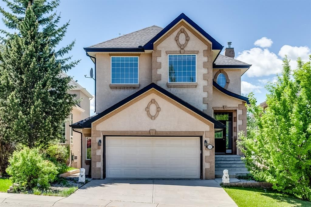 Main Photo: 132 Cresthaven Place SW in Calgary: Crestmont Detached for sale : MLS®# A1121487