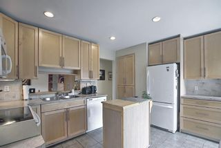 Photo 17: 924 CANNOCK Road SW in Calgary: Canyon Meadows Detached for sale : MLS®# A1135716