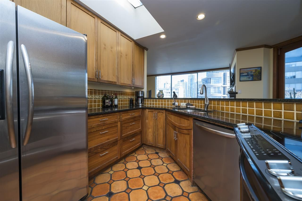 """Main Photo: 601 1220 BARCLAY Street in Vancouver: West End VW Condo for sale in """"KENWOOD COURT"""" (Vancouver West)  : MLS®# R2515897"""