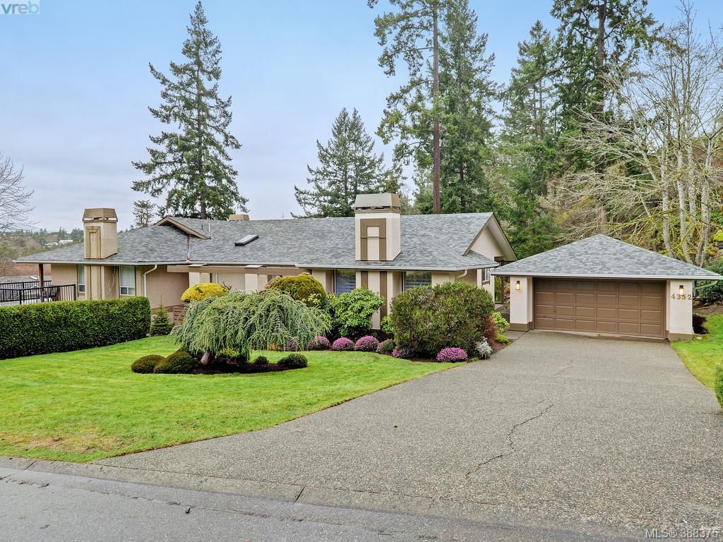 Main Photo: 4352 Parkwood Terr in VICTORIA: SE Broadmead Half Duplex for sale (Saanich East)  : MLS®# 780519