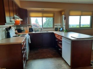 """Photo 11: 8102 WILTSHIRE Place in Delta: Nordel House for sale in """"CANTERBURY HEIGHTS"""" (N. Delta)  : MLS®# R2586961"""
