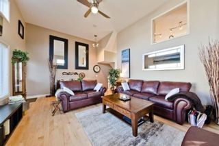 Photo 4: 310 Inglewood Grove SE in Calgary: Inglewood Row/Townhouse for sale : MLS®# A1100172