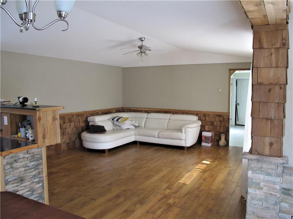 Photo 15: Photos: : St Laurent Residential for sale (R19)  : MLS®# 1905086