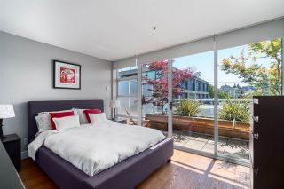 """Photo 11: 2 1650 W 1ST Avenue in Vancouver: False Creek Townhouse for sale in """"THE ELLIS FOSTER BUILDING"""" (Vancouver West)  : MLS®# R2062356"""
