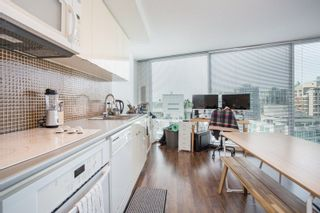 "Photo 2: 2909 233 ROBSON Street in Vancouver: Downtown VW Condo for sale in ""TV Towers"" (Vancouver West)  : MLS®# R2260002"
