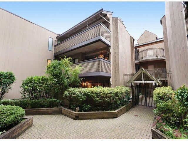 """Main Photo: 203 3191 MOUNTAIN Highway in North Vancouver: Lynn Valley Condo for sale in """"Lynn Terrace II"""" : MLS®# R2133788"""