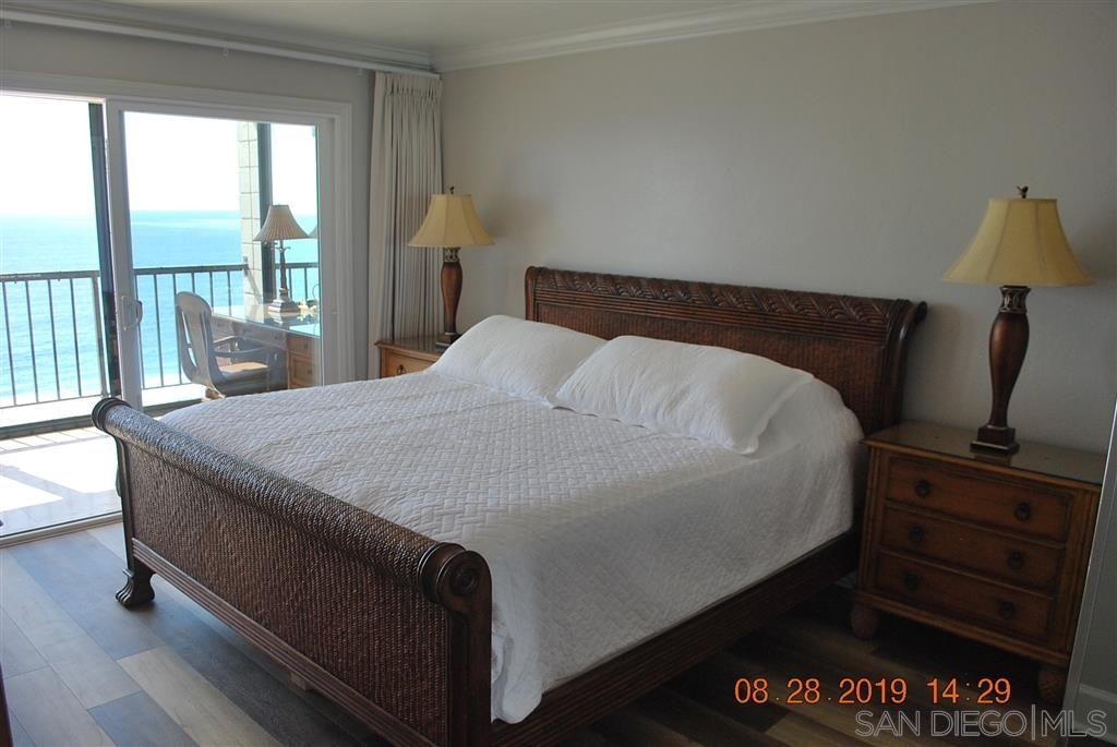 Photo 14: Photos: PACIFIC BEACH Condo for sale : 2 bedrooms : 4767 Ocean Blvd. #801 in San Diego