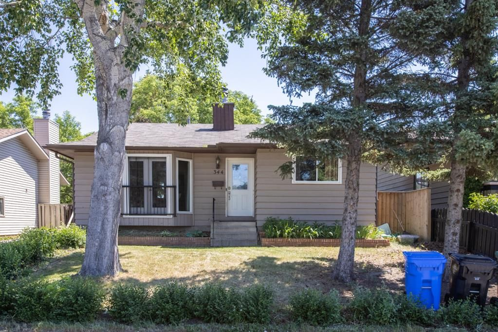 Main Photo: 344 Fonda Way SE in Calgary: Forest Heights Detached for sale : MLS®# A1125342