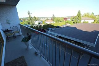 Photo 5: 226 3225 Eldon Pl in VICTORIA: SW Rudd Park Condo for sale (Saanich West)  : MLS®# 799568