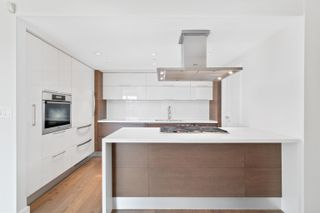 Photo 10: 705 8 SMITHE Mews in Vancouver: Yaletown Condo for sale (Vancouver West)  : MLS®# R2612133