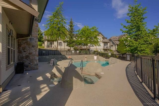 Photo 3: Photos: 202 2958 WHISPER WAY in Coquitlam: Westwood Plateau Condo for sale : MLS®# R2096861