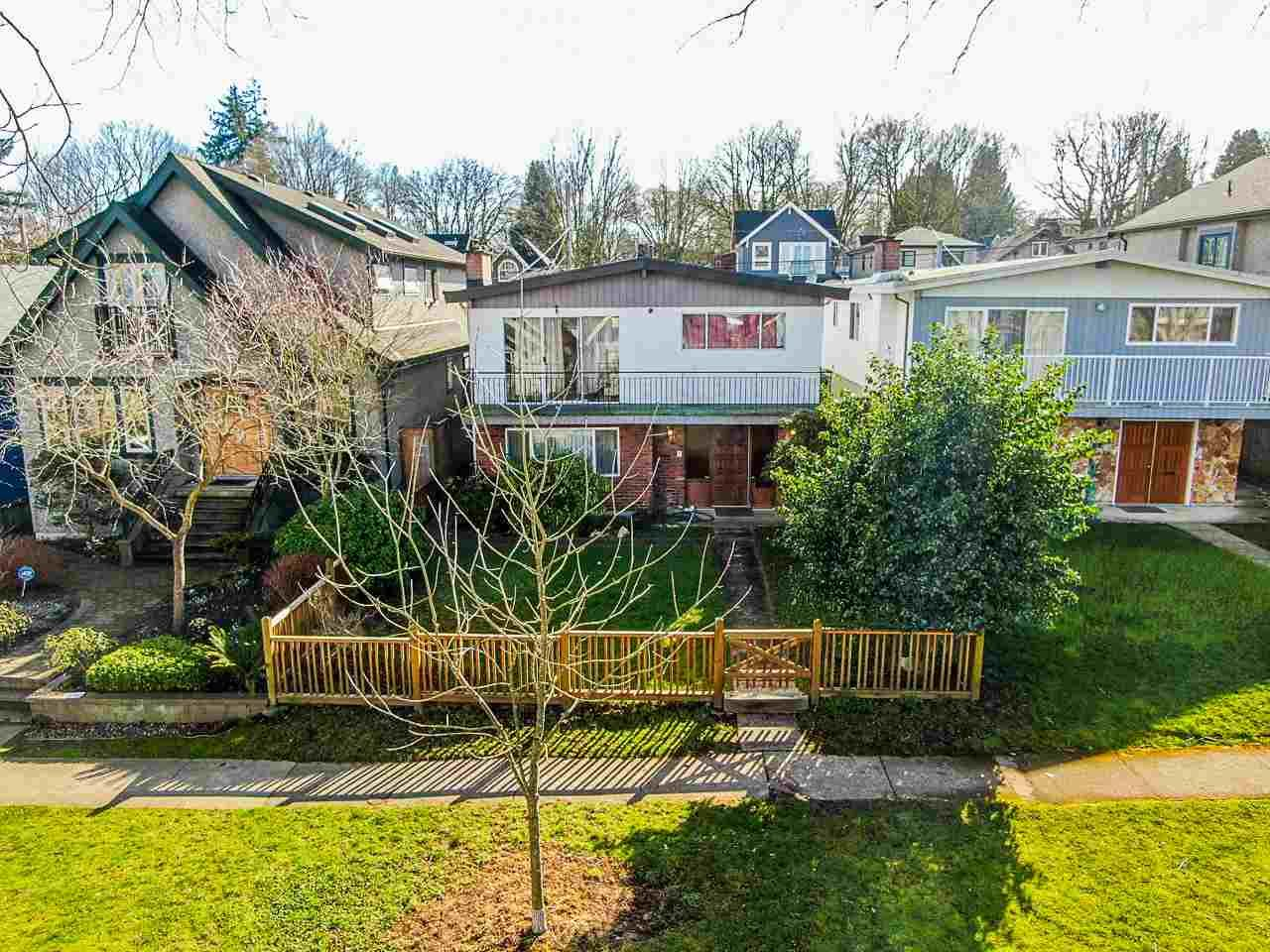 Main Photo: R2445303 - 3436 W 19TH AVE, VANCOUVER HOUSE