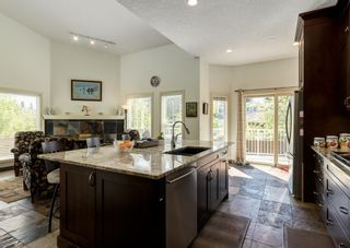 Photo 5: 231 Shawnee Gardens SW in Calgary: Shawnee Slopes Detached for sale : MLS®# A1114350