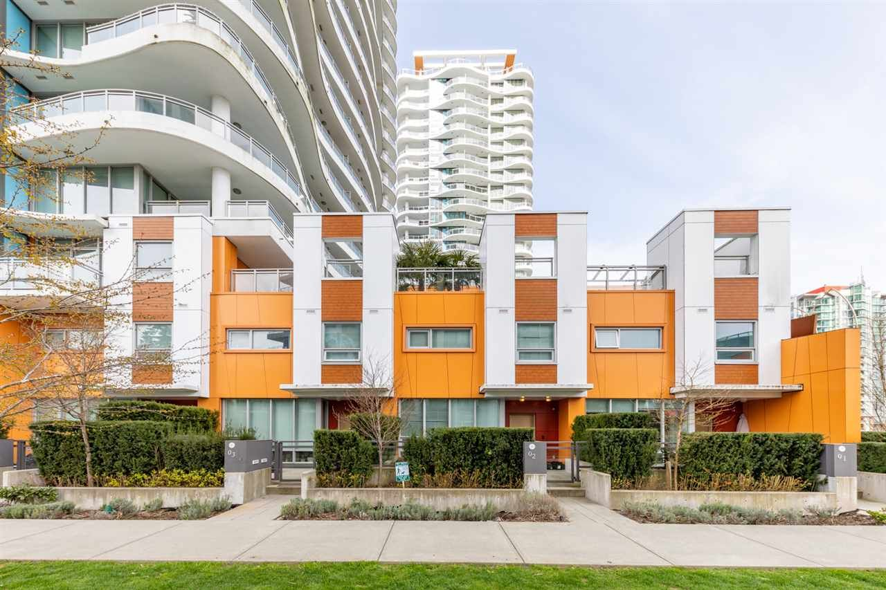 """Main Photo: TH3 13303 CENTRAL Avenue in Surrey: Whalley Condo for sale in """"THE WAVE"""" (North Surrey)  : MLS®# R2563719"""