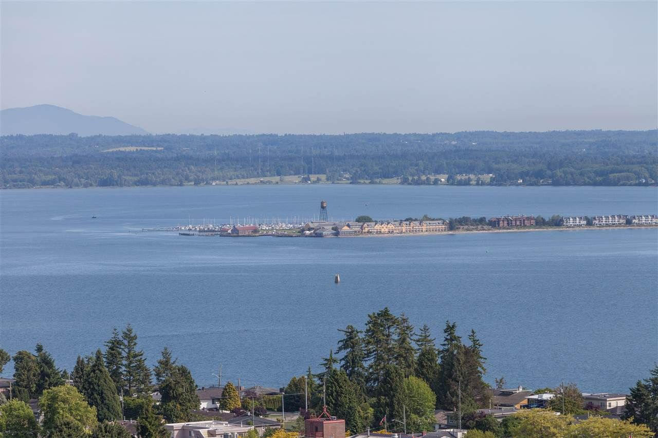 """Main Photo: 1301 1473 JOHNSTON Road: White Rock Condo for sale in """"Miramar Towers"""" (South Surrey White Rock)  : MLS®# R2174785"""