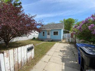 Photo 2: 938 J Avenue North in Saskatoon: Westmount Residential for sale : MLS®# SK857155