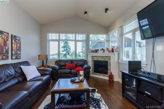 Photo 3: 401E 1115 Craigflower Rd in VICTORIA: Es Gorge Vale Condo for sale (Esquimalt)  : MLS®# 762922