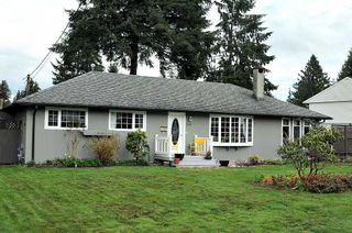 Photo 1: 2562 POPLYNN Drive in North Vancouver: Westlynn House for sale : MLS®# R2156112