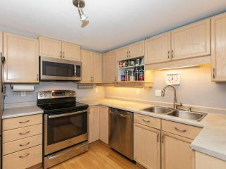 """Photo 9: 215 3400 SE MARINE Drive in Vancouver: Champlain Heights Condo for sale in """"Tiffany Ridge"""" (Vancouver East)  : MLS®# R2392821"""