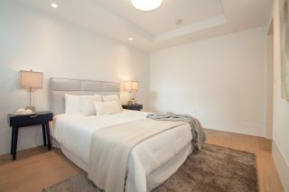 """Photo 17: TH1 2289 BELLEVUE Avenue in West Vancouver: Dundarave Townhouse for sale in """"Bellevue by Cressey"""" : MLS®# R2596483"""