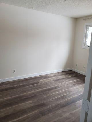 Photo 12: 405 MILLBOURNE Road E in Edmonton: Zone 29 House Half Duplex for sale : MLS®# E4238189