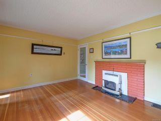Photo 4: 2024 Newton St in : OB Henderson House for sale (Oak Bay)  : MLS®# 870494