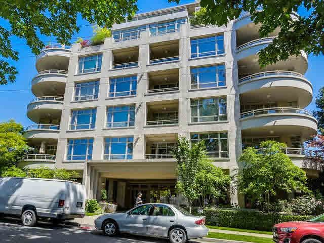 "Main Photo: 201 5700 LARCH Street in Vancouver: Kerrisdale Condo for sale in ""Elm Park Place"" (Vancouver West)  : MLS®# V1121280"