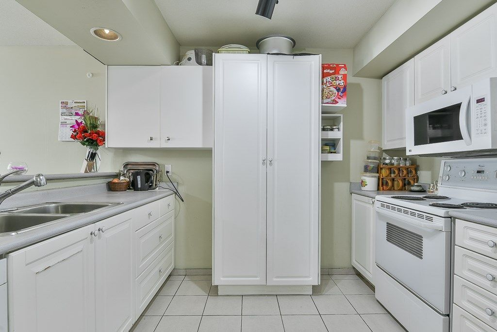 "Photo 3: Photos: 313 12739 72 Avenue in Surrey: West Newton Condo for sale in ""NEWTON COURT"" : MLS®# R2293338"