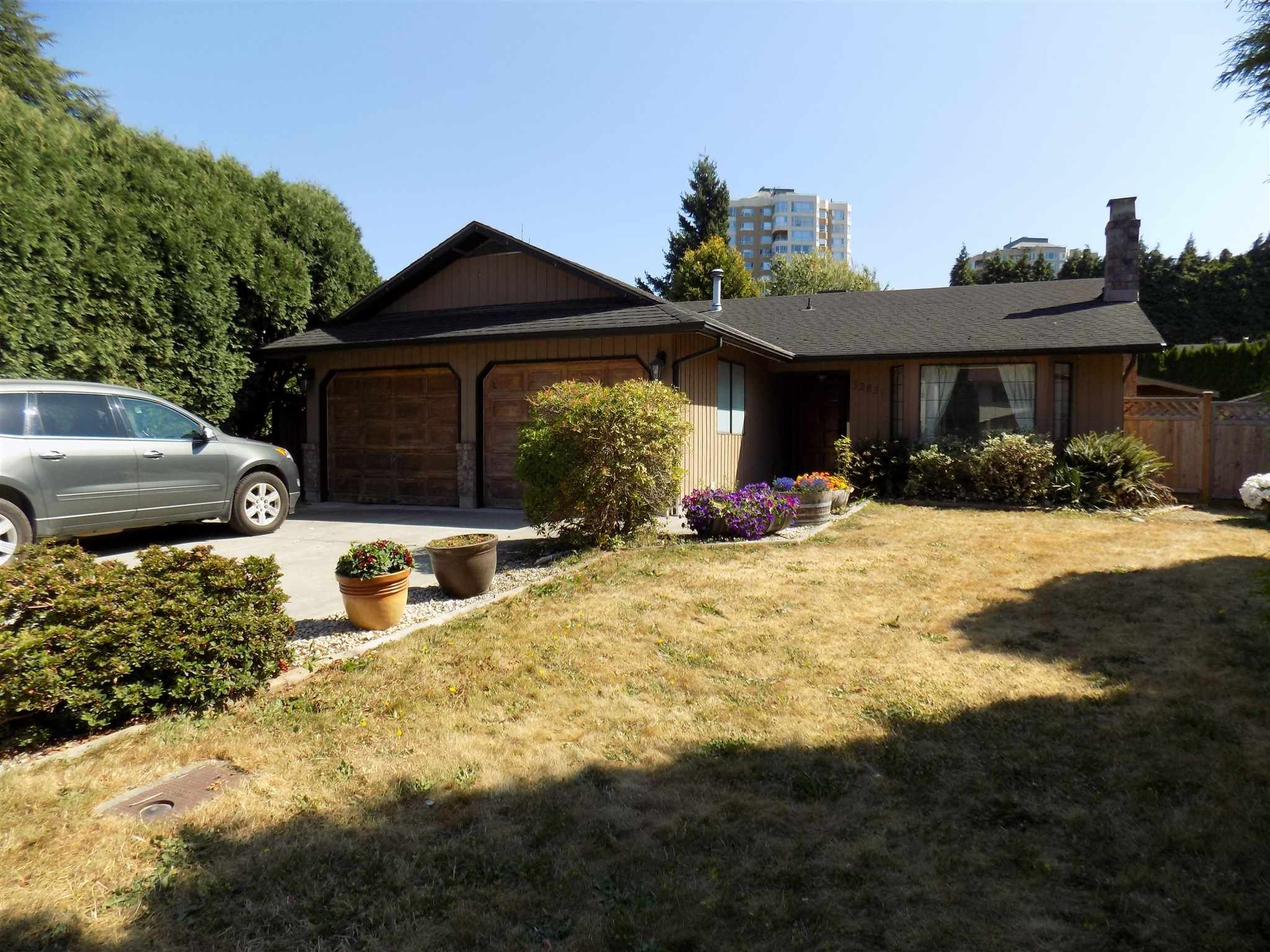 Photo 1: Photos: 32836 CAPILANO Place in Abbotsford: Central Abbotsford House for sale : MLS®# R2605248