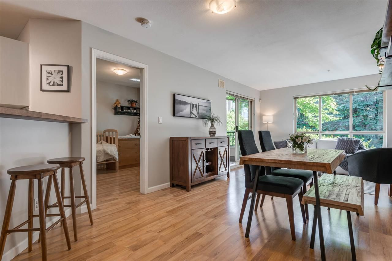 """Main Photo: 205 150 W 22ND Street in North Vancouver: Central Lonsdale Condo for sale in """"The Sierra"""" : MLS®# R2505539"""