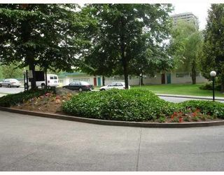 Photo 5: # 203 9541 ERICKSON DR in Burnaby: Condo for sale : MLS®# V746227