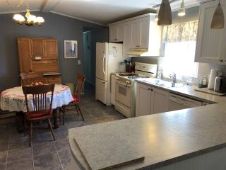 """Photo 11: 45 4116 BROWNING Road in Sechelt: Sechelt District Manufactured Home for sale in """"ROCKLAND WYND"""" (Sunshine Coast)  : MLS®# R2472545"""