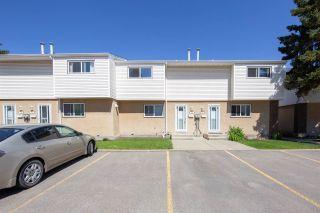 Photo 3: 1945 73 Street in Edmonton: Zone 29 Townhouse for sale : MLS®# E4198688