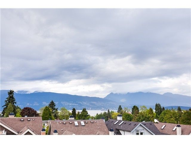 Main Photo: 4476 W 9th Av in Vancouver West: Point Grey House for sale : MLS®# V1119953