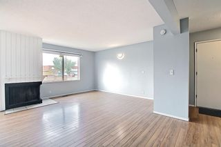 Photo 11: 2 519 64 Avenue NE in Calgary: Thorncliffe Row/Townhouse for sale : MLS®# A1140749