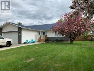 Photo 1: 1008 6 Avenue SE in Slave Lake: House for sale : MLS®# A1076982