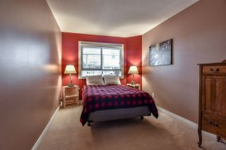 Photo 3: 102 15035 THRIFT Avenue: White Rock Condo for sale (South Surrey White Rock)  : MLS®# R2341357