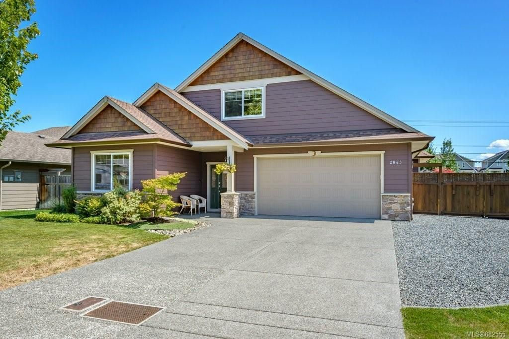 Main Photo: 2043 Evans Pl in Courtenay: CV Courtenay East House for sale (Comox Valley)  : MLS®# 882555