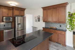Photo 6: 122 Ridley Place in Winnipeg: Crestview Residential for sale (5H)  : MLS®# 202113822