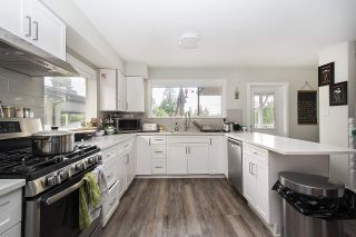 Photo 1: 915 E 14TH Street in North Vancouver: Boulevard House for sale : MLS®# R2511076