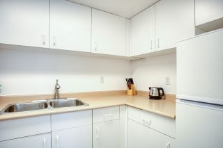 "Photo 9: 1601 789 DRAKE Street in Vancouver: Downtown VW Condo for sale in ""CENTURY TOWER"" (Vancouver West)  : MLS®# R2352458"