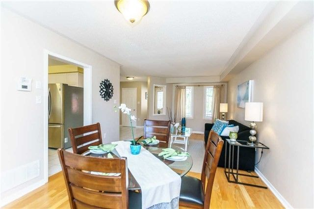 Photo 8: Photos: 40 Wells Crescent in Whitby: Brooklin House (2-Storey) for sale : MLS®# E4187338