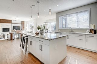 Photo 6: 2711 LIONEL Crescent SW in Calgary: Lakeview Detached for sale : MLS®# C4236282