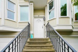 """Photo 3: 23 10340 156 Street in Surrey: Guildford Townhouse for sale in """"Kingsbrook"""" (North Surrey)  : MLS®# R2579994"""