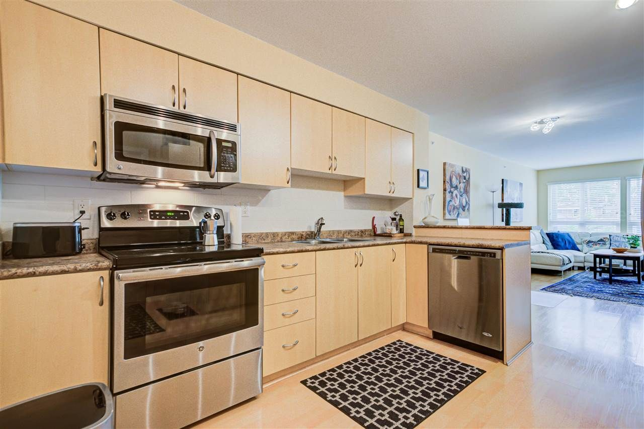 """Main Photo: 203 3423 E HASTINGS Street in Vancouver: Hastings Condo for sale in """"Zoey"""" (Vancouver East)  : MLS®# R2579290"""