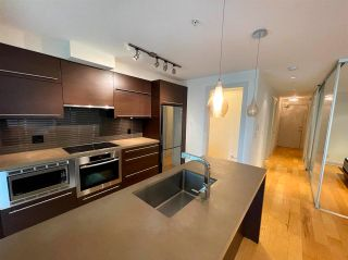 """Photo 2: 304 4463 W 10TH Avenue in Vancouver: Point Grey Condo for sale in """"West Point Grey"""" (Vancouver West)  : MLS®# R2567933"""