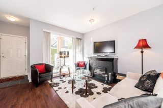 """Photo 4: 3262 E 54TH Avenue in Vancouver: Champlain Heights Townhouse for sale in """"BRITTANY AT CHAMPLAIN"""" (Vancouver East)  : MLS®# R2408336"""
